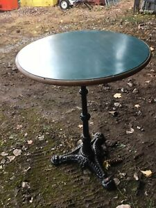 Belle petite table rond