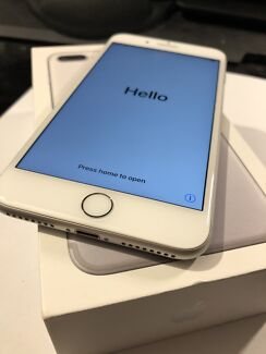 iPhone 7 Plus 128GB Silver - Like New with Accessories!