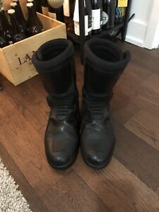 Triumph motorcycle boots 10 US