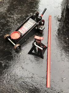 Heavy Duty Car / Truck Service Jack - With Axle Stand!