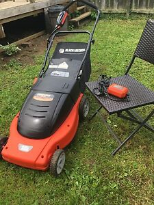 Rechargeable Black and Decker mower/mulcher