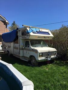 1989 26' Ford Travelaire  motor home RV