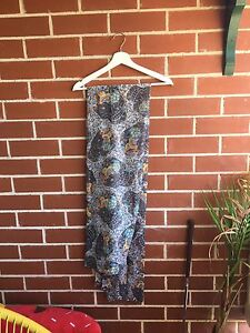Sugar skull blanket style scarf Woolooware Sutherland Area Preview