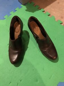 Ladies Clark shoes. New.
