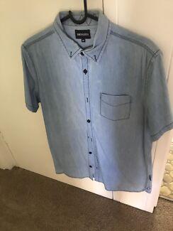 Henleys button up shirt - Medium