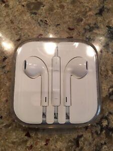 Apple EarPods brand new in sealed case