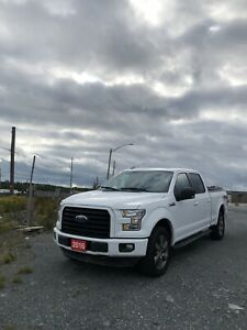 2016 Ford F-150 4X4 Crew Cab 5.0L FX4 Certified **Financing**