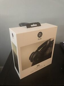 B&O H4 Bluetooth headphones mint!