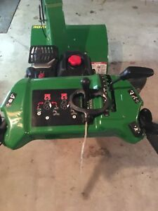 John Deere 928E Snowblower