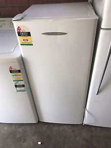 FREZZER 160LITRES FISHER&PAYKEL VERY TIDY FREE LOCAL DELIVERY Parramatta Parramatta Area Preview