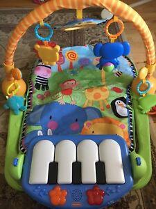 Centre d'activite pour Bebe / Playmat for baby
