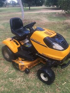 Ride on lawn mower Warroo Forbes Area Preview