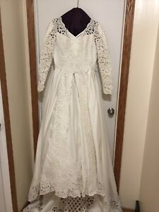 Ivory ball gown wedding dress with sleeves (size 8)