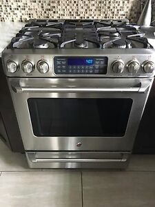 Gas stove top & range -GE Cafe -SELF CLEANING