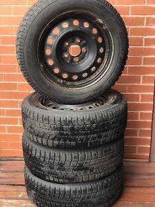4 pneus d'hiver sur jantes