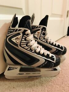 CCM CUSTOM 01.  Junior 13J  hockey skates!! Used twice