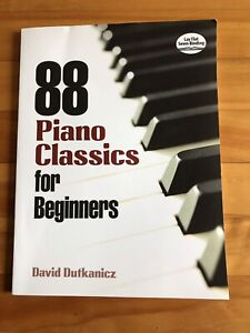 Book - 88 piano classics for beginners