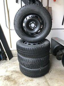 195 65 15 Bridgestone Blizzaks Winter tires on rims