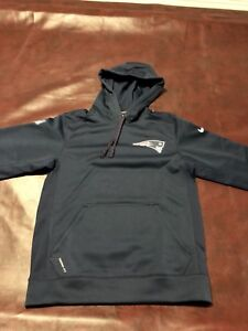 Nike Woman's New England Patriots Hoodie - Small