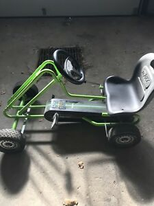 SELLING KIDS TRAXX HAUCK TOYS GREEN GO-KART!