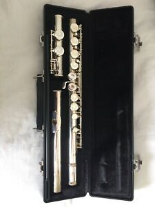 gemeinhardt flute 2sp with case