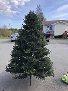 2 Artificial Christmas trees with case