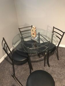 AMISCO Glass top table and chairs