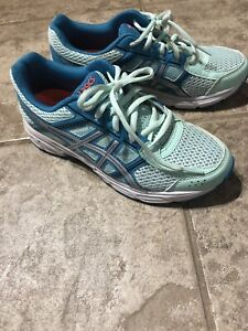 Ladies Asiacs running shoes size 7