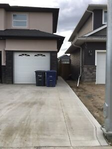 House for rent in Rosewood ( AVAILABLE IMMEDIATELY)
