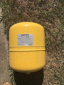 Water pump air pressure tank Davey Maroochydore Maroochydore Area Preview