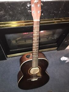 Art and Lutherie Acoustic guitar (worn)
