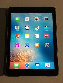 iPad Air Wi-Fi + Cellular 4G - Space Grey 32GB