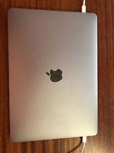 Macbook pro 13 pouces, 4 x USB-C, Touchbar et AppleCare 06-2020