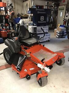 Husqvarna MZ61 zero turn lawnmower