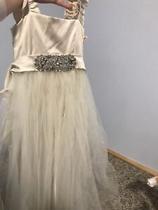 Ivory Flower Girl Dress XS (size 4-6)