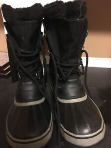 Sorel winter boots for men size 9