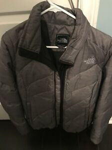 Woman's north face  size M