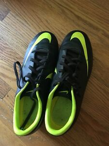 Size 2 youth soccer cleats