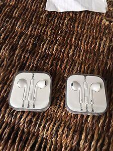 BNIB Apple earbuds  Kitchener / Waterloo Kitchener Area image 2