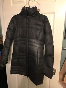 Pre owed women feather down winter jacket Columbia size small