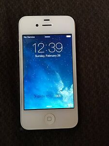 8GB I phone 4 in good working condition
