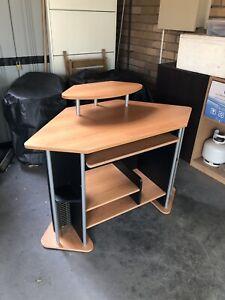 Small Computer / Study Desk