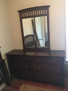 6 piece queen bedroom suite