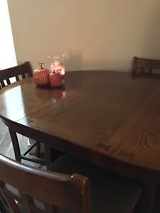 Solid Oak 3ft extendable table with 6 chairs