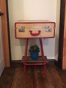 Petites tables valises antiques