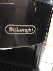DeLonghi EXPRESSO/CAPPUCCINO  MAKER