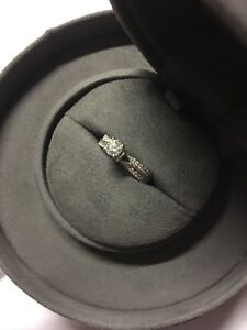 Vera Wang LOVE .95 CT Solitaire Diamond Engagement ring