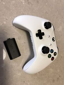 Xbox One Controller with Play and Charge Battery