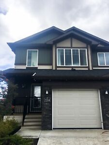 SOUTH EDM SHOWHOME FOR SALE LOADED WITH UPGRADES FURNITURE INCL