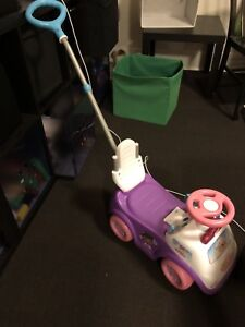 Doc Mcstuffin Ride-on toy car